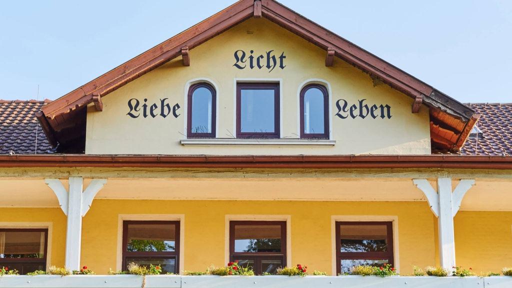 Liebe - Licht - Leben - STENUM Ortho Fachklinik