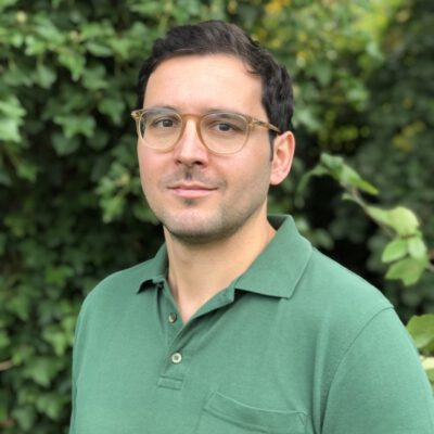 Dr.Nils Farhan